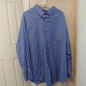 Men's Roundtree & Yorke long sleeved, button up sh